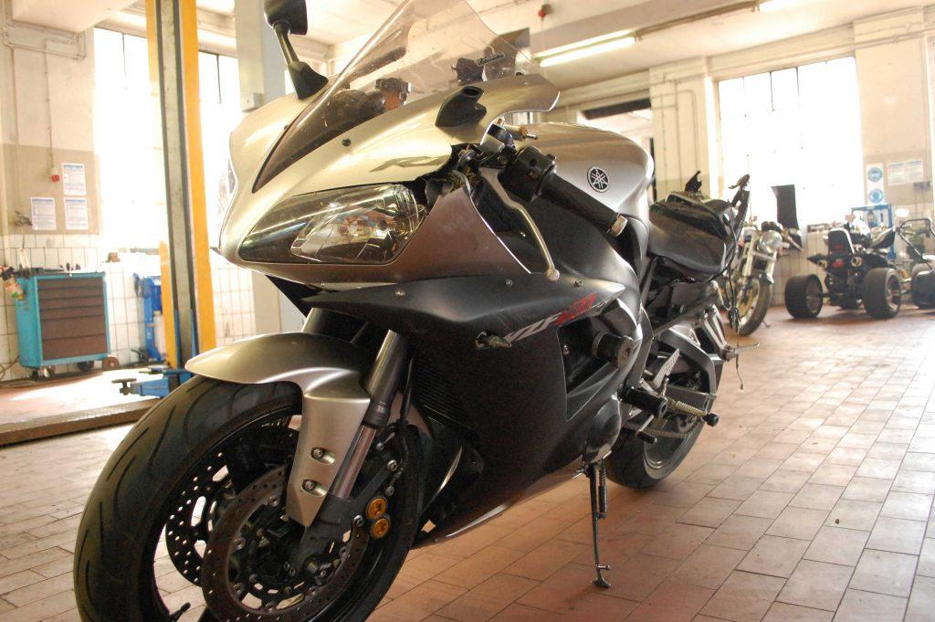 kurvenjäger | motorradfahrer-unterwegs.de - verkauf-yamaha-yzf-r1-rn09-nach-Unfall