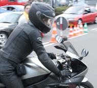 motorradfahrer-unterwegs-auf-der-nordschleife3