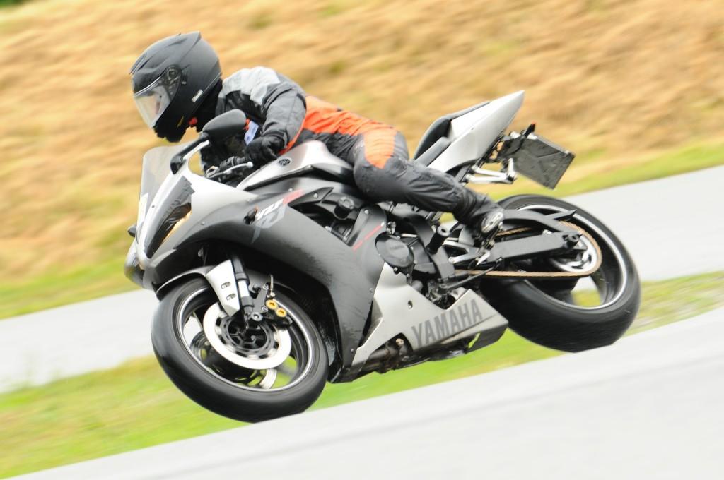 kurvenjäger | motorradfahrer-unterwegs.de auf der Rennstrecke (2)