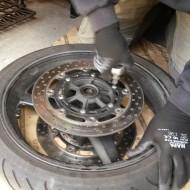 Kurvenjäger | motorradfahrer-unterwegs.de - Bremsscheibenwechsel