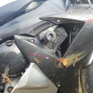 kurvenjäger   motorradfahrer-unterwegs-motorrad-wiederaufbau-motorrad-unfall