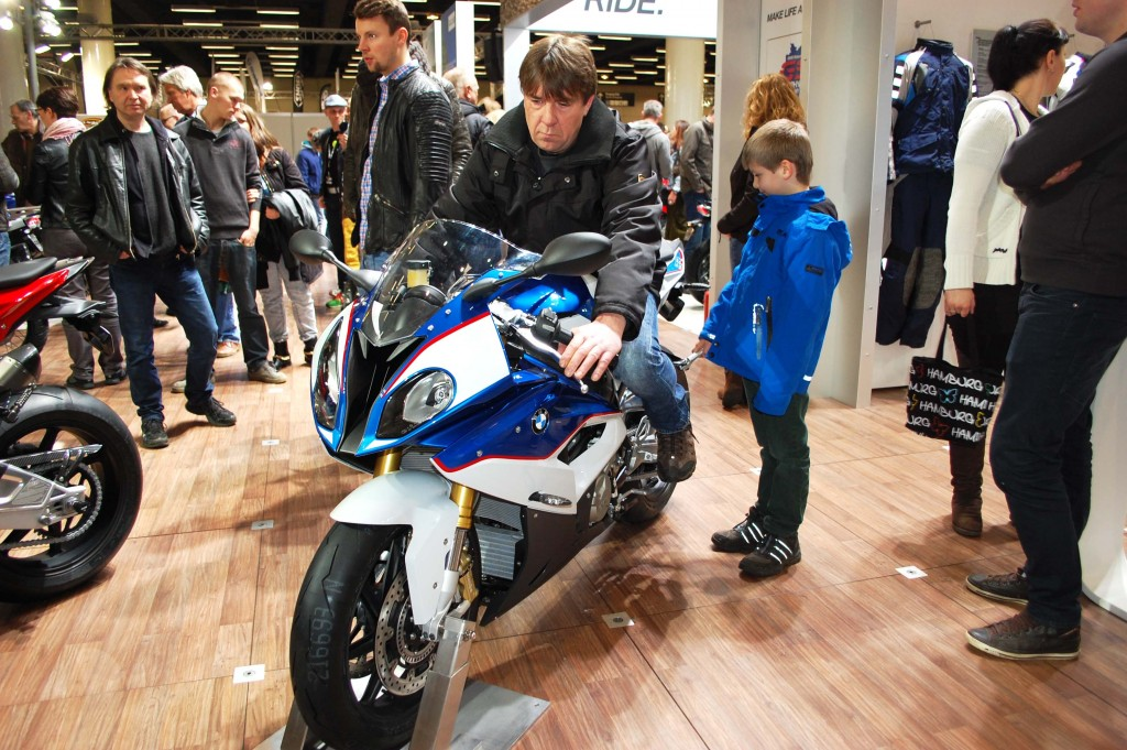 kurvenjäger | motorradfahrer-unterwegs.de - Motorradmessen 2015 - BMW S1000RR