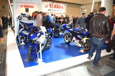 kurvenjäger | motorradfahrer-unterwegs.de - Motorradmessen 2015 - Yamaha Messestand