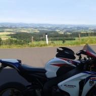 kurvenjäger | motorradfahrer-unterwegs-de-