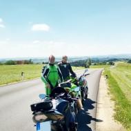 kurvenjäger | motorradfahrer-unterwegs-de