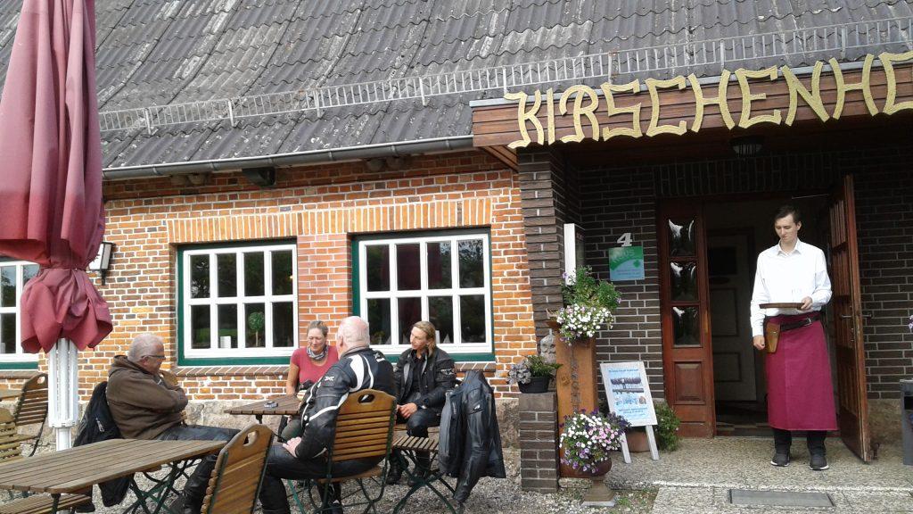 Schnelle Motorradtouren durch Norddeutschland - Theorie & Praxis Ladies first | kurvenjäger - motorradfahrer-unterwegs.de