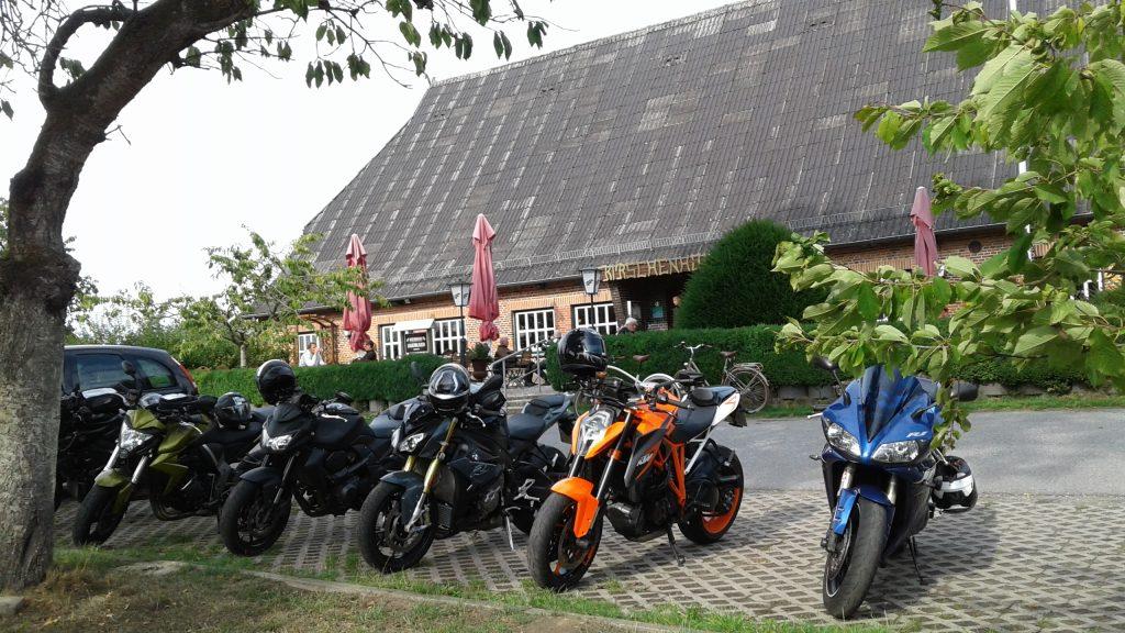 schnelle Motorradtouren durch Norddeutschland: kurvenpfluecker.de Tour Quickborn-Westensee