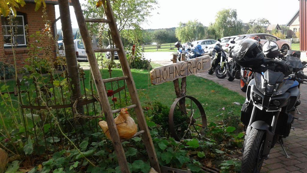 Herbstliche Kurvenpflücker-Motorradtour zum Dielencafé am Kittlitzer Hofsee