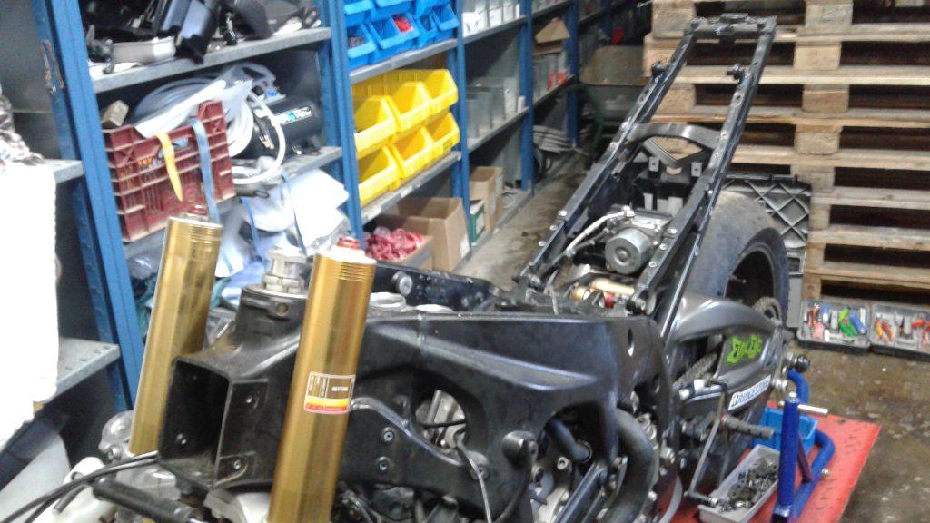 Erneuerung Heck & Einbau ABS Drehratensensor BMW K46 | Motorrad Wiederaufbau Projekt BMW S1000RR 2018/2019