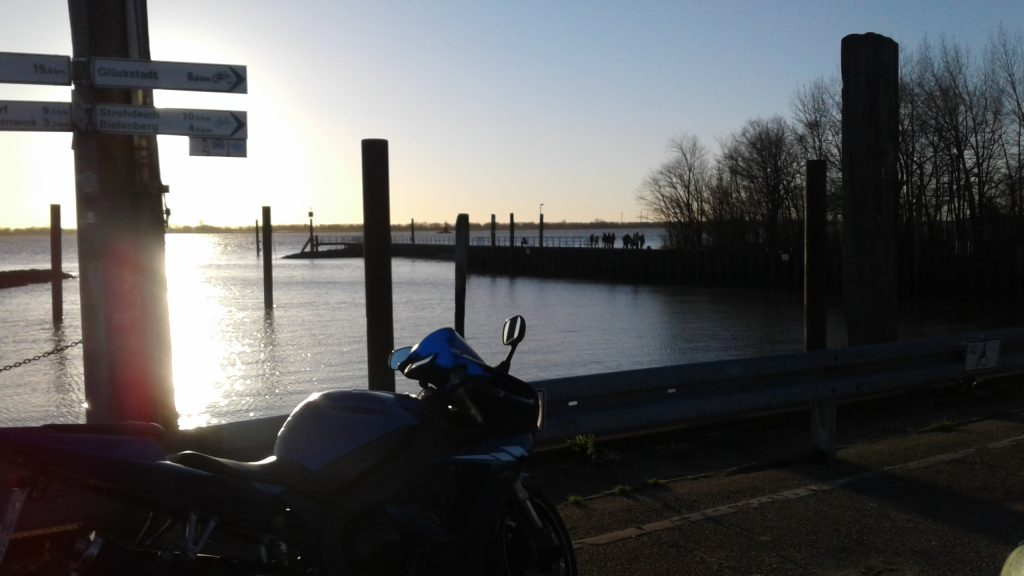 Motorrad Saisoneröffnung Kollmar Hafen Anfang Januar 2019
