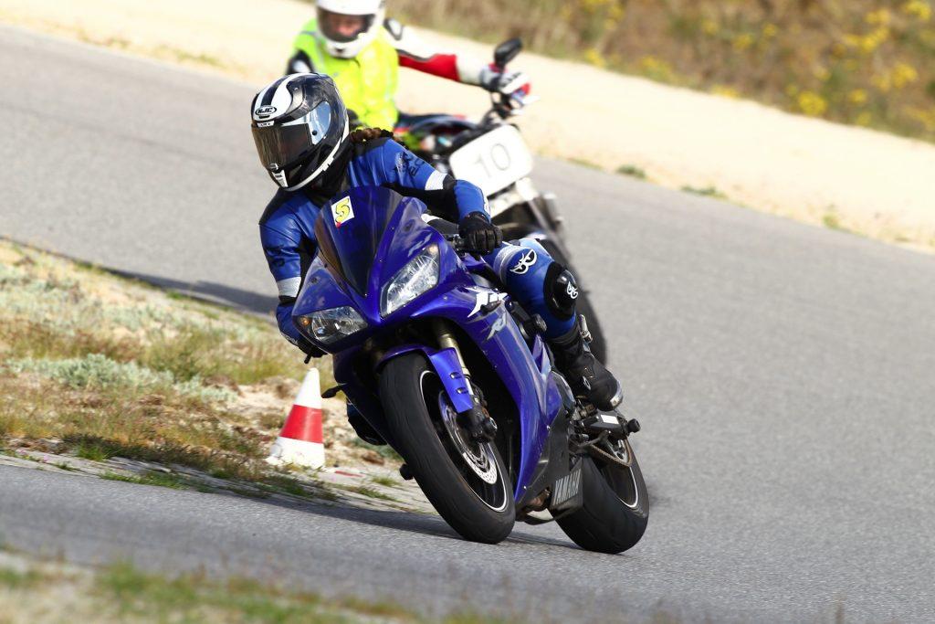 Blickführung Motorrad Sportfahrer bei Renntrainings | Kurvenjäger - motorradfahrer-unterwegs