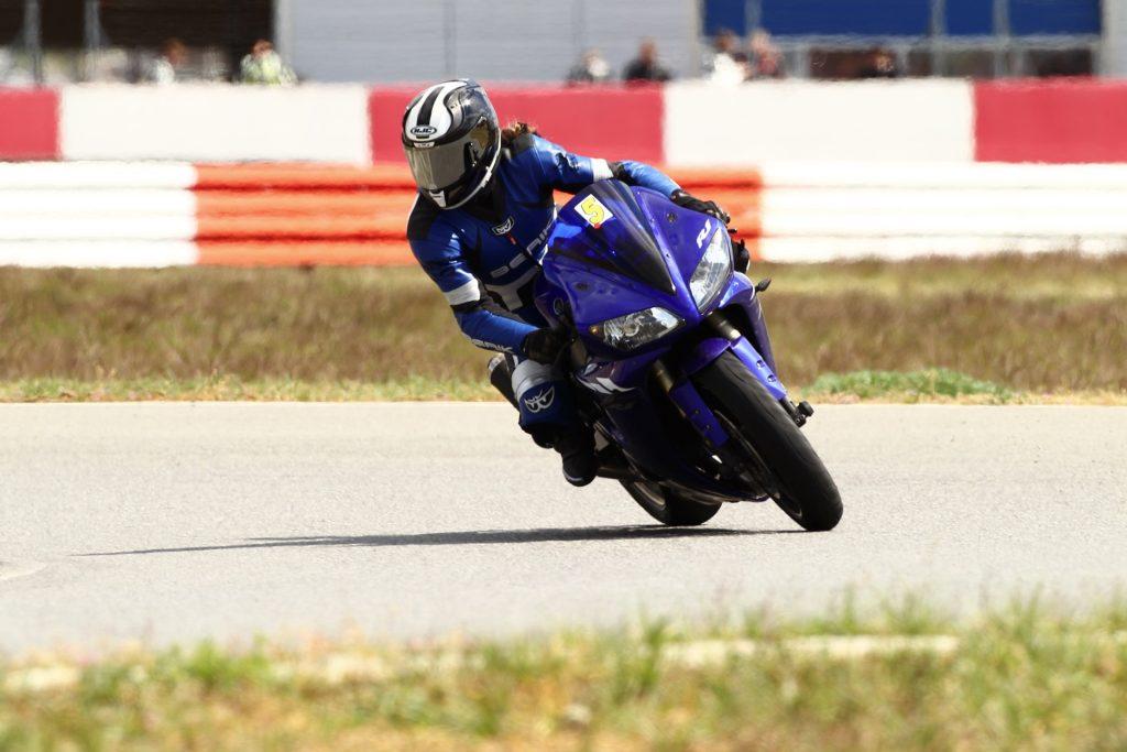 Blickführung & Körperhaltung Motorrad Schräglagen- & Kurventraiing | Kurvenjäger - motorradfahrer-unterwegs