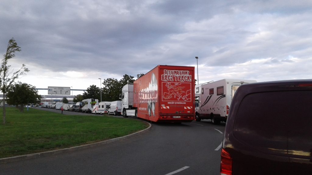 Race Track Tourbus