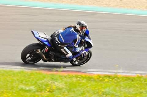 Kurvenjäger - motorradfahrer-unterwegs motorsportarena oschersleben